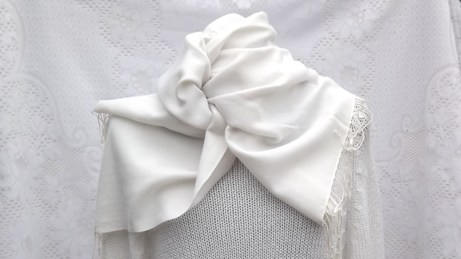 white snowdrop pashmina scarf, White Snowdrop cashmere wedding pashmina scarves, White Snowdrop cashmere pashmina scarves, White Snowdrop cashmere pashmina wraps, White Snowdrop cashmere pashmina stoles, White Snowdrop cashmere pashmina shawls, perfect White Snowdrop cashmere pashmina, snowdrop pashmina scarves, snowdrop pashmina wraps, snowdrop pashmina stoles, snowdrop pashmina shawls, perfect snowdrop pashmina